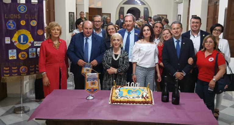 lions club caltanissetta centenario donazione defibrillatore