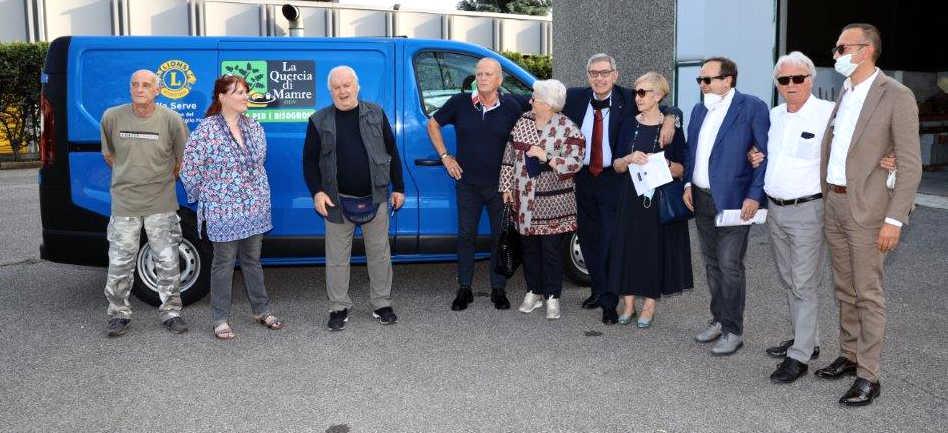 lions treviglio host Quercia di Mamre donazione furgone