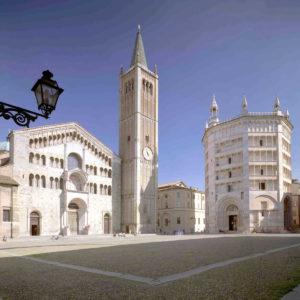 restauro portale cattedrale Lions Club Parma Maria Luigia